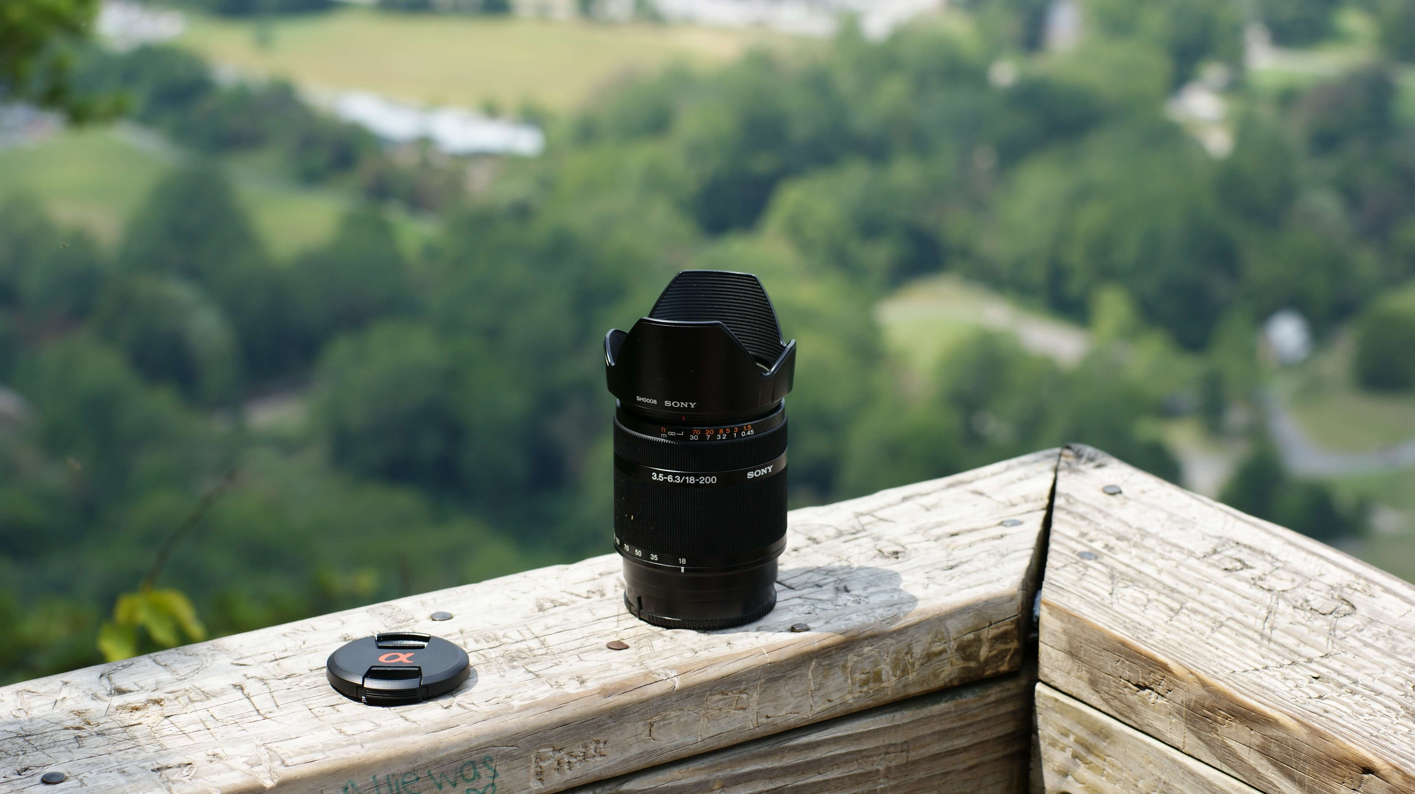 Sony 18-200mm F3.5-6.3 lens preview